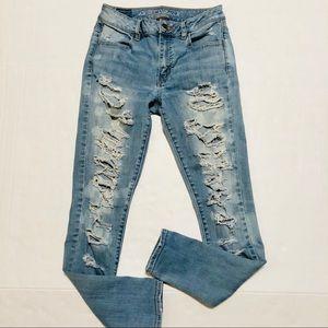 AEO Hi-Rise Jegging Destroyed Light Wash Jeans 4